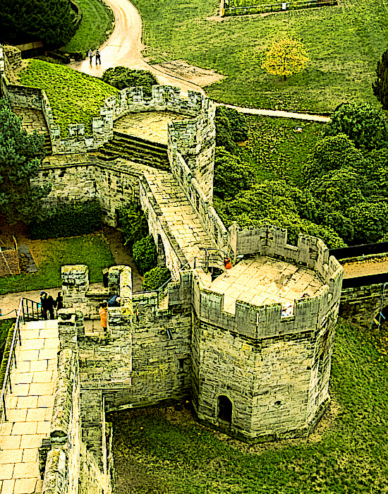 Warwick-Castle's-Bear-Clarence-Towers