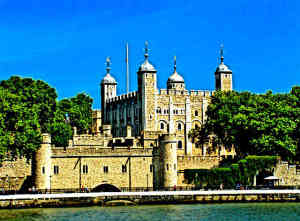 Best-Castles-in-Europe-Medieval-Norman-Castle-Tower-of-London