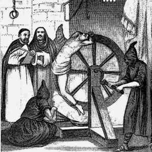 Medieval-Torture-Device-Catherine-Wheel-Breaking-Wheel